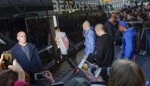 จัสติน บีเบอร์ ฉาวอีก! ตำรวจสวีเดนค้นรถทัวร์ เจอ สารเสพติด