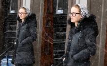 น่ารักปะ? เจนนิเฟอร์ ลอว์เรนซ์ ใส่แว่นแบบเนิร์ดๆ