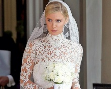 นิคกี้ ฮิลตัน แต่งงานมหาเศรษฐี สวมเดรสหรูสง่า ราคา 2.6 ล้านบาท