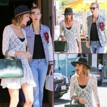 เทเลอร์ สวิฟท์ออกมาทานมื้อเที่ยงกับเพื่อนซี้ Karlie Kloss ในแคลิฟอร์เนีย