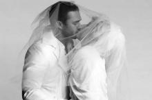 เลดี้ กาก้า ซุ่มตัดชุดแต่งงานหรู เตรียมวิวาห์กลางปี