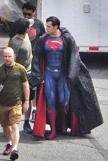 หลุดภาพจากกองถ่าย...เผยชุดใหม่ของซูเปอร์แมน ใน Batman v Supeman: Dawn of Justice
