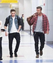 เดวิด-บรูคลิน แบคแฮม กับแฟชั่นสนามบินสุดเป๊ะ!!