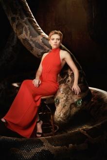"""""""สการ์เล็ตต์ โจแฮนสัน""""ส่งผ่านเสน่ห์แห่งหญิงสาวสู่""""คา"""" งูเหลือมยักษ์"""