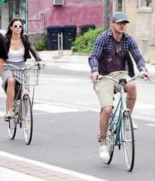 แอบเห็น 'จัสติน-เจสสิก้า' ควงคู่ปั่นจักรยาน