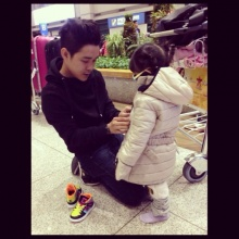รับวันพ่อ กับ คุณพ่อ-คุณลูก คนดัง:: โจ๊ก So Cool  - น้องยี่หวา และ  น้องยูจิน