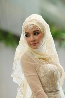 เจ้าสาวคนดัง! งดงามในชุดวิวาห์แบบสาวมุสลิม