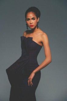 เมญ่า สวย เจิด กับ ภาพ พอร์ทเทรด ส่งให้กับ กองประกวด   Miss World 2014