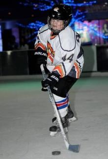 น้องภู อินทัช จากดาราเด็กจ้ำม่ำ ผันตัวเป็นนักกีฬาฮอกกี้น้ำแข็ง