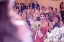ว่าที่เจ้าสาว 10ล้าน! ใหม่ สุคนธวา ได้รับช่อดอกไม้ในงานแต่ง ครั้งแรกในชีวิต