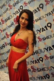10 อันดับดาราสาวไทยค่าตัวแพงสุด ใครอยู่อันดับไหนมาดูกัน!