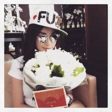 เมย์เขินคนส่งดอกไม้ให้ยิ้มฉายามือกาวรับดอกไม้งานแต่ง
