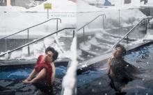 """แม่ก็คือแม่!! แมทช์นี้ต้องยอม """"เอ ศุภชัย"""" ใจกล้า เล่นน้ำท่ามกลางหิมะ!! (มีคลิป)"""