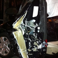 ด่วนน !! นักแต่งเพลงรัก บอย โกสิยพงษ์ ถูกรถพุ่งชนที่ USA โชคดีปลอดภัย