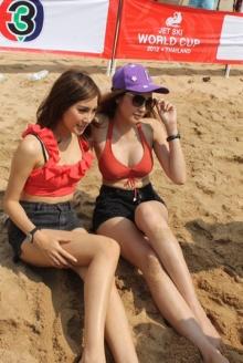 เพี๊ยซ-แพม เริงร่าเชียร์นักเจ็ทสกีไทย!!!