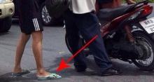 พระเอกตัวจริง!! ชื่นชม!! ชายปริศนารองเท้าแตะ โดดเข้าช่วยคุณลุงที่รถล้มกลางถนน