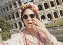 ชมพู่ กับลุคสวยใส ลั้ลลาไกล ณ อิตาลี