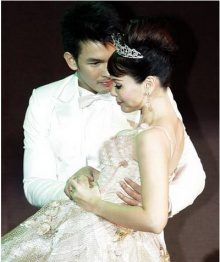 อั้ม - นัท ควงคู่โชว์หวานเรียก แฟน เรื่องแต่งยังขอดูเวลาที่เหมาะสม