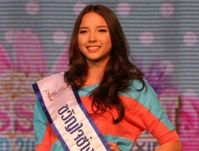 น้องเทีย ลูกครึ่งไทย-ออสซี่ คว้าขวัญใจสื่อมวลชนมิสทีนฯ 2012