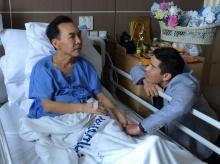 """สบตากับความตาย เรื่องจริงของ """"เป็ด อภิชาติ"""" ช่างแต่งหน้าอันดับหนึ่งของเมืองไทย"""