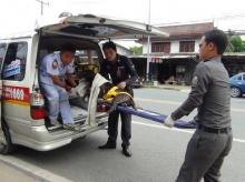 """""""แจม เนโกะจั๊มพ์"""" ชื่นชมตำรวจไทย ช่วยเหลือหมาจรจัดส่งรพ."""
