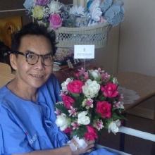 เป็ด-อภิชาติ ช่างแต่งหน้าระดับตำนานของไทย เสียชีวิตแล้ว