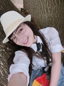 พลอยชมพู นักร้องหน้าใส ลูกครึ่งไทย-เยอรมัน