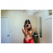 ซาร่า มาลากุล ยังร้อนแรงไม่มีหยุด ถ่ายเซลฟี่อวดอกอึ๋มหน้ากระจก