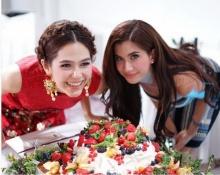 ปาร์ตี้วันเกิด 34 ยังสวยปัง! ของ ชมพู่ อารยา