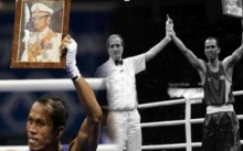 """""""สมจิตร"""" ย้อนวินาทีชกมวยโอลิมปิก มีสายโทรมาบอกว่า ในหลวง ร.9 ทรงฝากให้กำลังใจ และทรงทอดพระเนตรอยู่"""