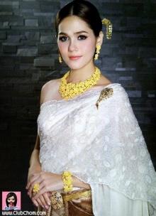 Pic : ชมพู่ อารยา งามดุจดั่งเจ้าหญิง กับชุดไทยสุดงดงาม
