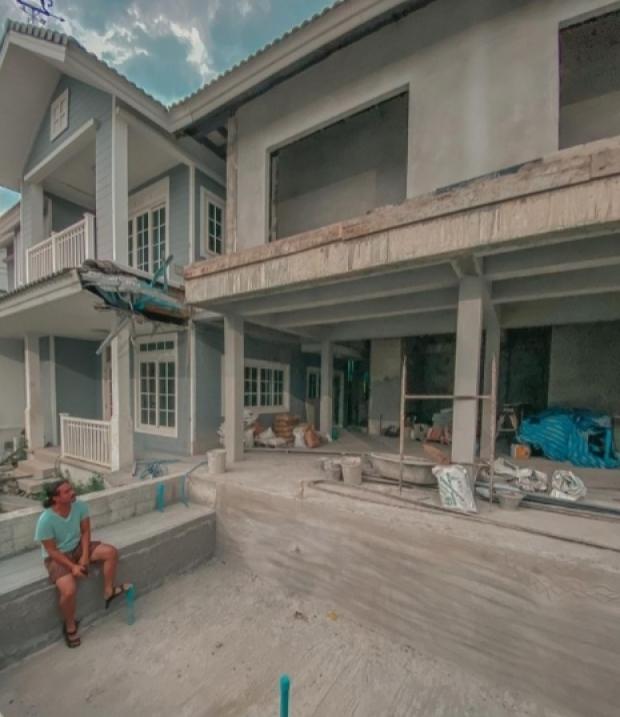 หรูหราอลังการ! เป็กกี้ อวดบ้านใหม่ ทุ่มสร้างกระจกสกายวอล์กดูดาว ว้าวสุดๆ!