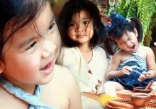 """ชมภาพน่ารักๆของ น้องมะลิ-แม่โบว์ ในโปรเจค """"มะลิท่องโลก""""@หลวงพระบาง"""