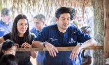 นุ่น - ต๊อด เดินตามรอยเท้าพ่อหลวง เปิดโครงการ100 โรงเรียนเกษตรพอเพียง !!