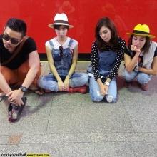 Pic : อุ้ม ลักขณา กับผองเพื่อนในวันสบายๆ @IG