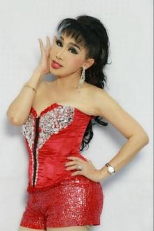 จำได้ไหม ! จิ๋ม ซาร่า กะเทยไทยคนแรก ที่ได้ใช้คำว่า นางสาว