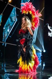 ชุดประจำชาติสุดแหวก!!  Miss Universe 2015 ยิ่งกว่างานแฟนซี