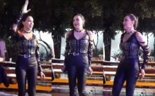 """""""ส้มเช้ง สามช่า"""" โชว์สเต็ปเต้นเพลงเต่างอย เต้นไปดึงไป ชุดฟิตอวดหุ่นสุดเป๊ะ หุ่นดีมาก!! (มีคลิป)"""