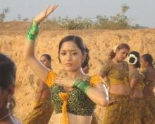 ชมคลิป พิ้งกี้ ในเบื้องหลังหนังอินเดีย HYDERABAD