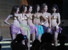 มิสแกรนด์ไทยแลนด์ฯ โชว์ชุดว่ายน้ำสีทอง