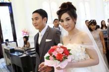 เผยสินสอดงานแต่งเบนท์ พริกไทย สินสอด 10 ล้าน แหวนเพชร 2 กะรัต