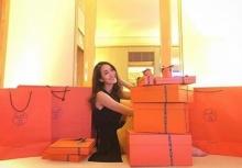 ดีงามที่สุด!! มิน พีชญา  กับของขวัญวันเกิดล่วงหน้ากล่องส้มสุดหรู!!