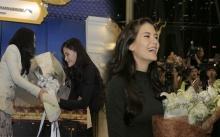 """พระองค์หญิงสิริวัณณวรีฯ ทรงประทานช่อดอกไม้แด่ """"มารีญา"""" ต้อนรับกลับประเทศไทย!!"""