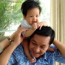 Pic : อัพเดท น้องโปรด มาพร้อมคุณปู่สนธิจ้า~!!