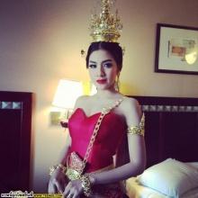 Pic : ใบเตย อาร์สยาม กับชุดไทยๆ ในต่างแดน