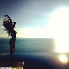 อัพเดทภาพ กิ๊ฟซี่ (girly berry) ณ ริมทะเล @IG