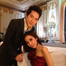 Pic : อั้ม - แอมป์ ควงคู่ร่วมงานแต่งงานเพื่อนสนิท