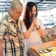 สวยใจบุญ น้อง นิชคุณ ควง FC ทำบุญวันเกิด บ้านภูมิเวท ปากเกร็ด
