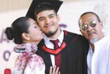 แม่แดง-พ่อออฟ สุดปลื้ม!!บินร่วมยินดีลูกชายเรียนจบที่อังกฤษ
