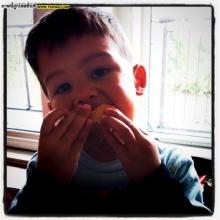 Pic: ชมความน่ารัก ลูกชาย สุดหล่อลูกเกด เมทินี